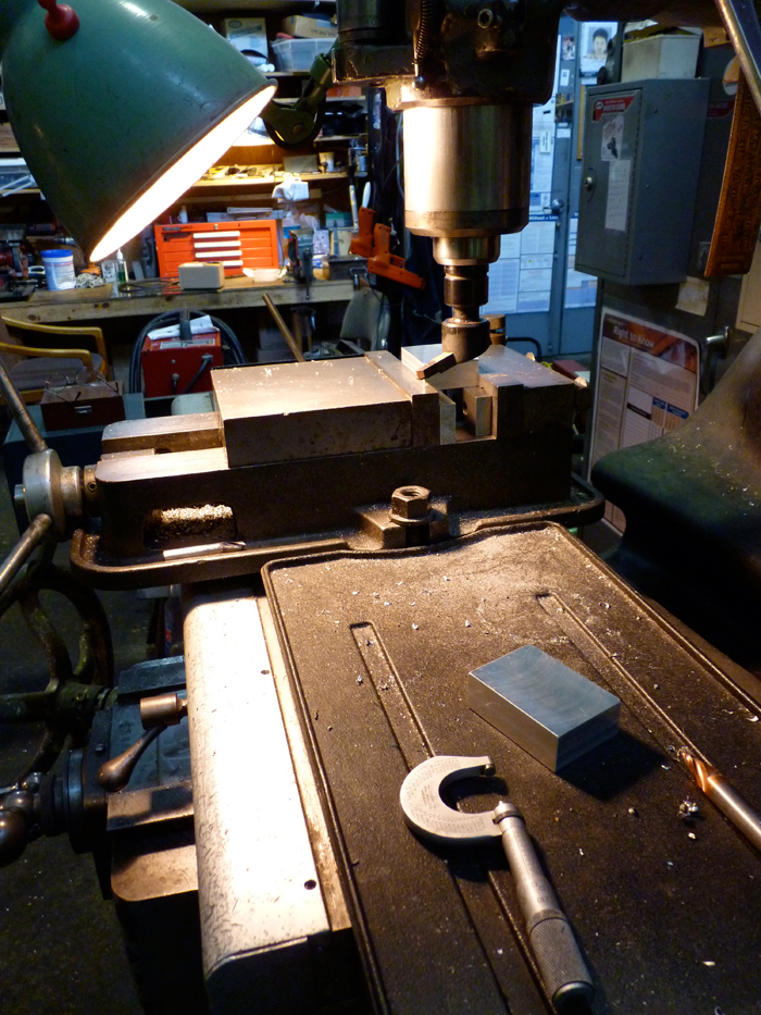 Milling bases for printing plates